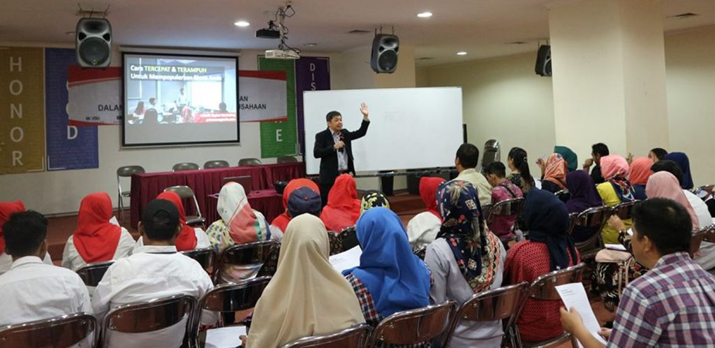 Pelatih Internet Marketing Petrus Soeganda